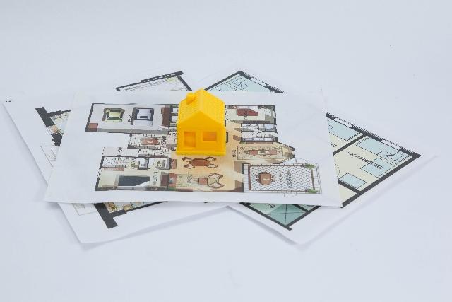 注文住宅で他社の間取りや見積もりを見せる